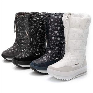 Shoes - White Boots NWT